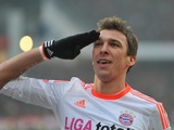 Mario Mandzukic celebrates giving Bayern the lead against Nuremberg on Novermber 17, 2012