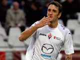 Fiorentina's Gonzalo Rodriguez celebrates moments after scoring on November 25, 2012