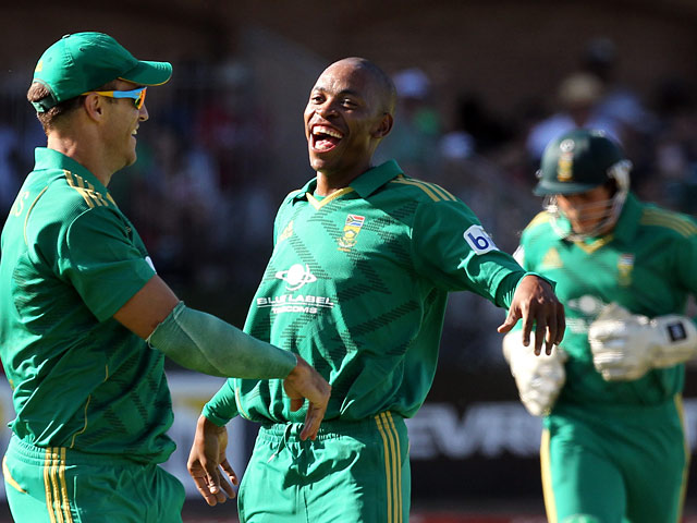 South Africa's Aaron Phangiso celebrates after bowling a New Zealand batsman on December 26, 2012