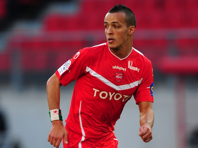 Foued Kadir in action for Valenciennes against Sochaux on October 16, 2011
