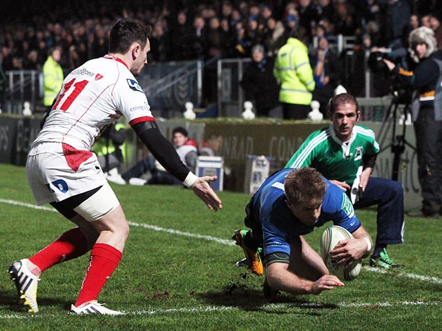 Leinster's Luke Fitzgerald scores a try against Scarlets on January 12, 2013