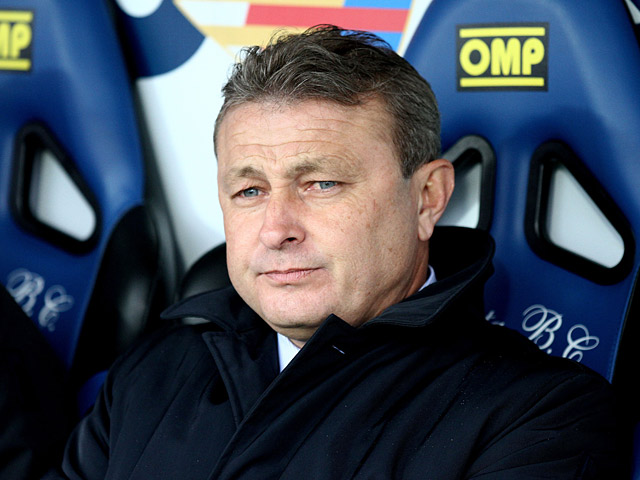 Cagliari's coach Ivo Pulga in the dugout during the match against Atalanta on January 20, 2013