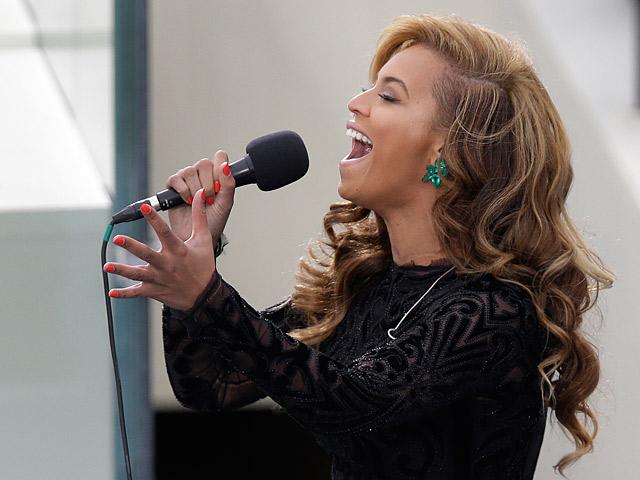 Beyonce singing on January 21, 2013
