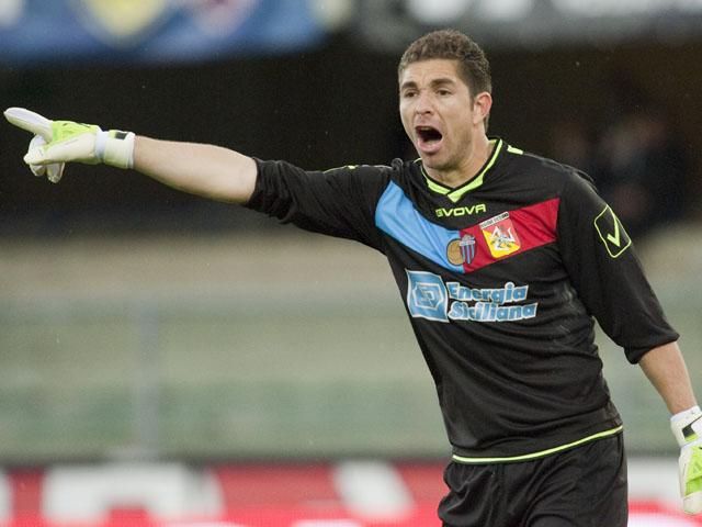 Catania goalkeeper Juan Pablo Carrizo on April 7, 2012