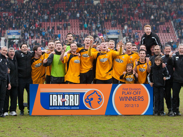 Alloa players celebrate victory against Dunfermline in the Scottish First Division Play Off Final on May 19, 2013