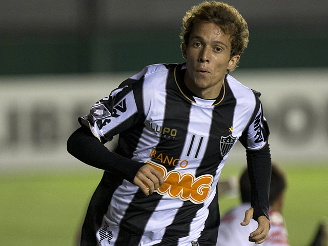 Atletico Mineiro's Bernard in action on February 26, 2013