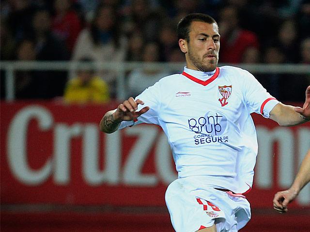 Sevilla's Antonio Luna in action on March 17, 2013