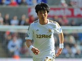 Swansea City's Ki Sung-Yueng in action on April 20, 2013