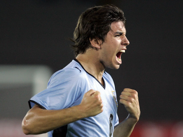Uruguay's Leandro Cabrera celebrates his goal against Paraguay during a U20 South American soccer match on January 24, 2009