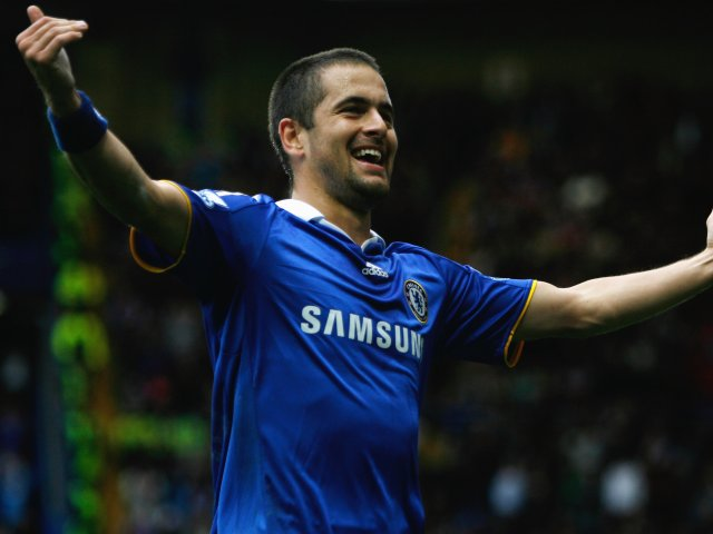 Joe Cole celebrates scoring for Chelsea against Aston Villa.