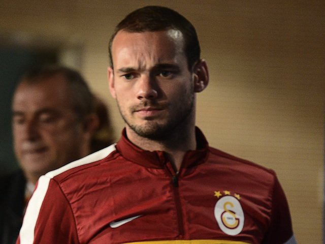 Gala's Wesley Sneijder arrives at Real Madrid's stadium on April 2, 2013