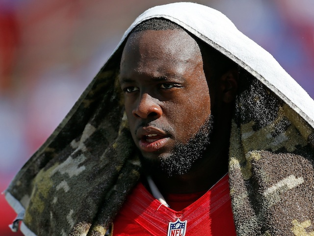 Bucs DT Gerald McCoy warms up for a game with San Diego on November 11, 2012