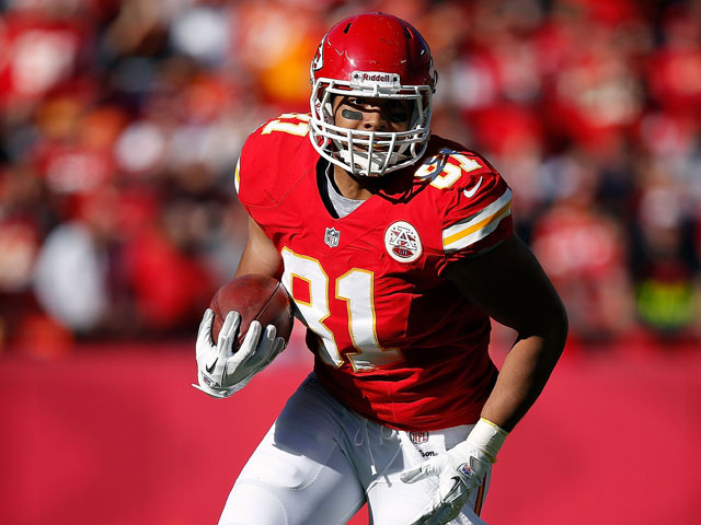 Tight end Tony Moeaki #81 of the Kansas City Chiefs in action during the game against the Denver Broncos at Arrowhead Stadium on November 25, 2012
