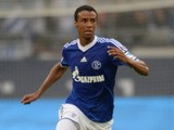 Schalke's Cameroonian defender Joel Matip vies for the ball during the German first division Bundesliga football match FC Schalke 04 vs Hamburger SV in the German city of Gelsenkirchen on August 11, 2013