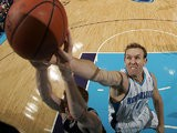 New Orleans Hornets' Sean Marks in action against San Antonio Spurs on December 17, 2008