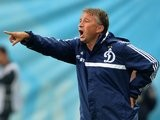 Dan Petrescu gives out orders to his Dynamo Moscow players in July 2013.