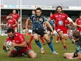 Toulon's Florian Fresia scores a try against Exeter Chiefs during their Heineken Cup match on December 7, 2013