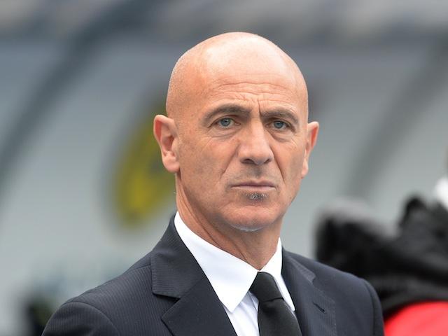 Giuseppe Sannino of Chievo looks on during the Serie A match between AC Chievo Verona and AC Milan at Stadio Marc'Antonio Bentegodi on November 10, 2013