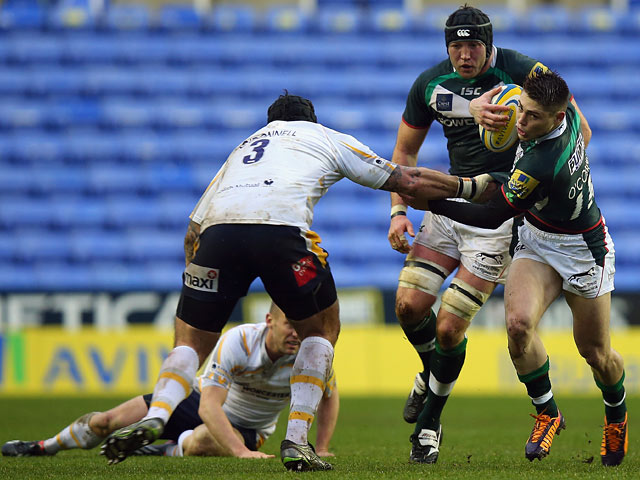 London Irish's James O'Connor and Worcester Warriors' Rob O'Donnell in action during their Aviva Premiership match on January 4, 2013