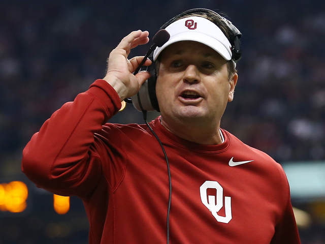 Head coach Bob Stoops of the Oklahoma Sooners reacts during the Allstate Sugar Bowl at the Mercedes-Benz Superdome on January 2, 2014