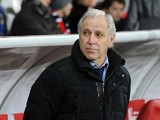 Lille's French coach Rene Girard looks on during the French L1 football match Lille vs Rennes on January 24, 2014