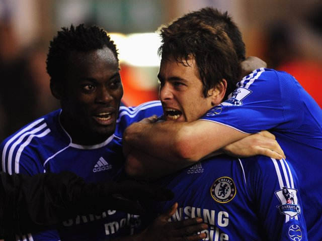 Joe Cole celebrates scoring for Chelsea against Tottenham Hotspur on March 19, 2008.