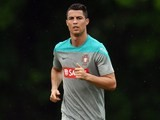 Portugal's Cristiano Ronaldo jogs laps during training June 3, 2014