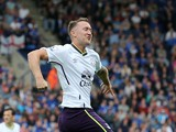 Everton's Irish midfielder Aiden McGeady celebrates scoring the opening goal of the English Premier League football match between Leicester City and Everton at King Power Stadium in Leicester, central England on August 16, 2014