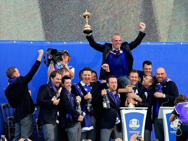 2012 Winning Ryder Cup Team Ryder Cup Team Celebrate