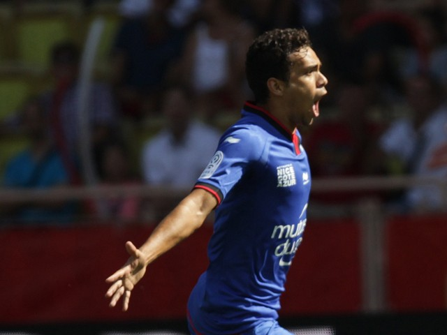 Nice's Brazilian midfielder Carlos Eduardo celebrates after scoring the French L1 football match Monaco (ASM) against Nice (OGCN) on September 27, 2014