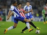 Porto's Brazilian defender Danilo (L) vies with Athletic Bilbao's forward Aritz Aduriz during the UEFA Champions League football match on October 21, 2014