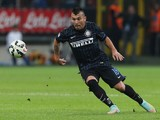 Gary Medel of FC Internazionale during the Serie A match between FC Internazionale Milano and Atalanta BC at Stadio Giuseppe Meazza on September 24, 2014