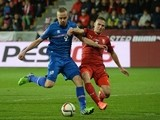 Czech Republic's Pavel Kaderabek (R) vies for the ball with Iceland's Kolbeinn Sigthorsson during the UEFA 2016 European Championship qualifying round Group A football match