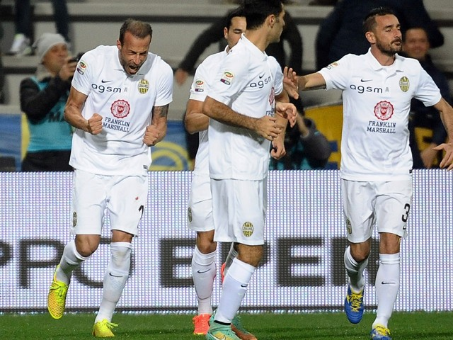 Vangelis Moras #18 of Hellas Verona FC celebrates after scroing the opening goal during the Serie A match between US Sassuolo Calcio and Hellas Verona FC on November 29, 2014