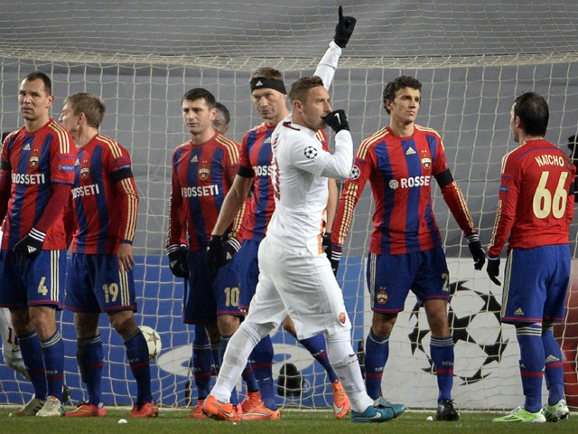 Roma's forward Francesco Totti celebrates a goal at the Khimki Arena outside Moscow on November 25, 2014