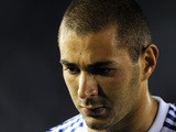 Real Madrid striker Karim Benzema of France leaves the field after the first half of the friendly football game between The Los Angeles Galaxy and Real Madrid in Pasadena, California on August 7, 2010