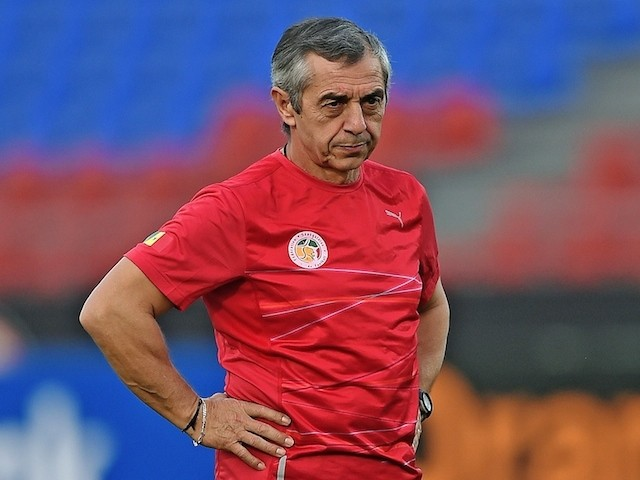 Senegal's coach Alain Giresse attends a training session with his team at Mongomo stadium on January 18, 2015