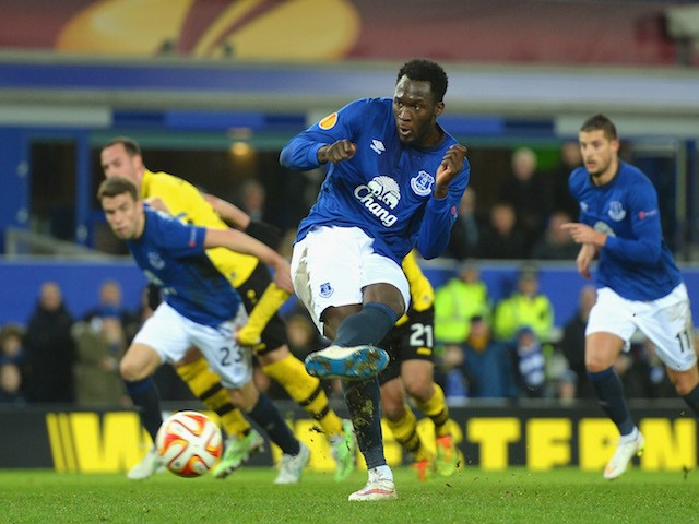 Romelu Lukaku of Everton scores their first goal from the penalty spot during the UEFA Europa League Round of 32 match against BSC Young Boys on February 26, 2015