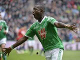 Saint-Etienne's Ivorian forward Max-Alain Gradel celebrates after opening the scoring during the French L1 football match Saint-Etienne (ASSE) vs Lille (LOSC) on March 22, 2015