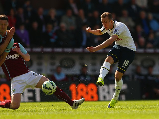 Harry Kane of Spurs shoots towards goal during the Barclays Premier League match between Burnley and Tottenham Hotspur at Turf Moor on April 5, 2015