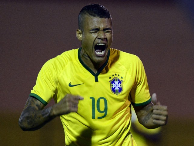 Brazil's forward Kenedy celebrates his goal against Venezuela during the South American U-20 football match at Domingo Burgueno stadium in Maldonado, 130 km east of Montevideo, on January 19, 2015