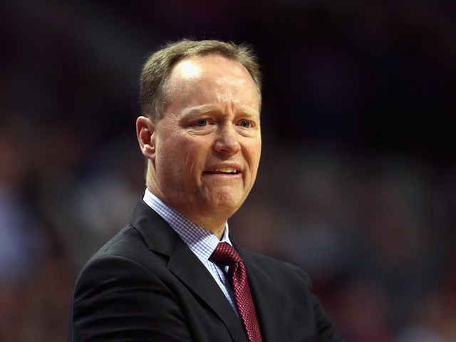 Head coach Mike Budenholzer of the Atlanta Hawks watches as his team takes on the Chicago Bulls at the United Center on April 15, 2015