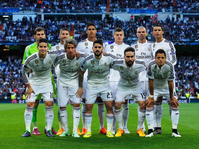 Real Madrid line up prior to the UEFA Champions League quarter-final second leg match between Real Madrid CF and Club Atletico de Madrid at Bernabeu on April 22, 2015