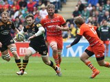 Elliot Daly of Wasps breaks with the ball during the Aviva Premiership match between Wasps and Leicester Tigers at The Ricoh Arena on May 9, 2015