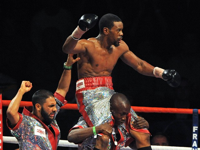 British boxer Anthony Small celebrates after beating Matthew Hallduring their Commonwealth and vacant British light-middleweight championship boxing match on July 18, 2009