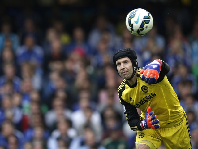 Chelsea's Czech goalkeeper Petr Cech throws the ball during the English Premier League football match between Chelsea and Sunderland at Stamford Bridge in London on May 24, 2015