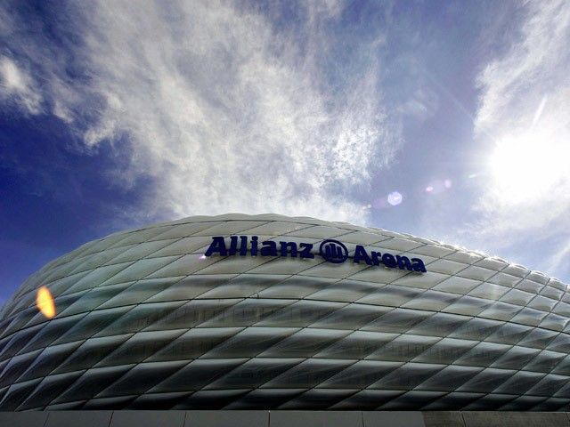 Exterior view of the new Allianz-Arena stadium in Munich, after its name has been mounted on the outside, 18 April 2005