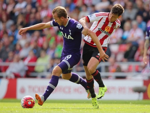 Harry Kane and Billy Jones in action during the game between Spurs and Sunderland on September 13, 2015