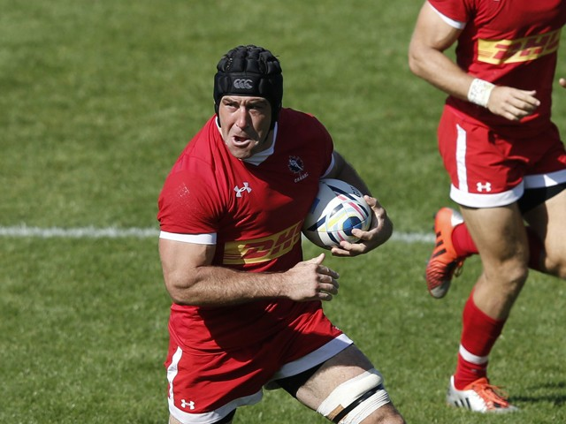 Canada's lock Jamie Cudmore (2nd L) makes a break during the international rugby union friendly match between Canada and Fiji, ahead of the 2015 Rugby World Cup, at The Stoop in Twickenham, west of London, on September 6, 2015