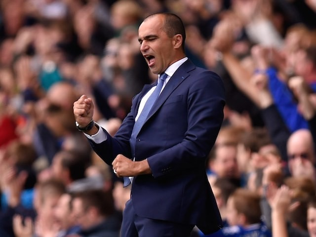 Roberto Martinez celebrates Everton taking the lead against Chelsea on September 12, 2015